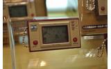 【TOYフォーラム2010】レトロゲーマー垂涎「GAME&WATCH ミニソーラーキーホルダー」の画像