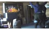 麻薬捜査官が容疑者の家でWiiを遊ぶ ― 前代未聞の珍事件の画像