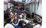 ニンテンドー3DSを求めて、ヨドバシアキバに行列発生の画像