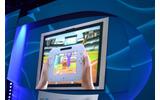 テレビ画面とコントローラー画面の両方を使って野球ゲームの画像
