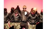 Gackt氏とダンサーによるパフォーマンスの画像