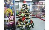 ゲーム売り場にクリスマスツリーが飾られていましたの画像