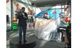 任天堂のブースで披露された実物大のマリオカート(ロサンゼルスモーターショー11)の画像