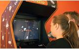 目だけで操作する世界初のゲームがロンドンの娯楽施設に設置の画像