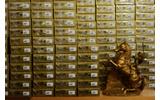 黄金に輝くパッケージの山(手間のリンクにも注目!)の画像