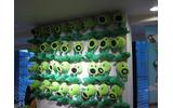 オフィスの壁には『プランツVSゾンビ』のキャラクターがの画像