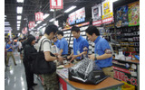 【ドラクエX発売】ヨドバシAkibaでは100人以上の行列の画像