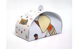 コラボデザインのドーナッツ箱の画像