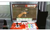 基地の休憩ラウンジに置かれた某人気格闘ゲーム筐体を模したアーケードマシン。ちゃんとプレイすることができ、この「Puncher 3」以外にも「Hellanoid」などがありますの画像
