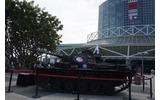 会場正面。どこかで見た戦車が!の画像