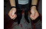 こちらでは、実際に手錠を掛けられますの画像