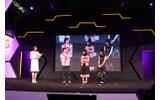 右から 巴マミ役の水橋かおりさん、 鹿目まどか役の悠木碧さん、富澤祐介プロデューサーの画像