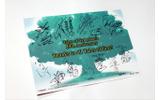 裏面には声優陣によるサインやお祝いメッセージがの画像
