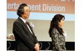 エンタテインメント部門審査員の岩谷徹氏(左)の画像