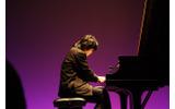 ピアノ演奏を披露の画像
