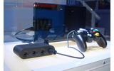 変換アダプタと特製コントローラーの画像