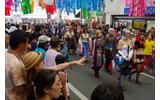 「世界コスプレサミット2012」パレードの様子の画像