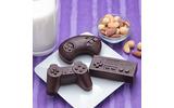 「懐かしのゲームコントローラー風シリコン型」が登場!氷やチョコをコントローラーの形にの画像