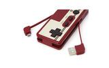 レトロなコントローラー風バッテリーが1月上旬に発売、MicroSDリーダー・ライターも内臓の画像