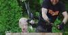 あの海外鍛冶屋が『スカイリム』の「デイドラの斧」を再現! ワイルド過ぎるスイカ割りも披露