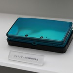 「専用充電器は何に使うの?」「SDカードがタダだ!」 ― ニンテンドー3DSの同梱物への海外の声