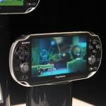 PSP後継機「NGP」を間近でチェック! カラーは2種類~ゲームカードも