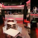 ガンダムカフェ、開店1周年を記念した「赤い彗星フェア」を開催