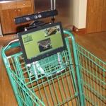 まさに未来の買い物?Kinectを搭載した全自動ショッピングカートが凄い