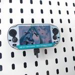 【ニコニコ超会議】PS Vita本体に個性を・・・様々なデザインの液晶保護シート