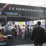 【E3 2012】Tシャツからボードまで充実のE3グッズが揃う「E3 Merchandise Store」