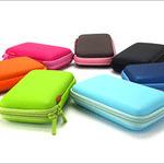 3DS LL本体を守る「セミハードポーチ」8月17日発売 ― カラフルな全7色を用意