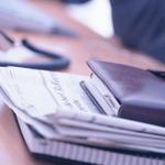iPhone5の販売競争とイー・アクセス買収、どちらもドコモは蚊帳の外・・・朝刊チェック(10/2)