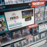 『アサシン クリードIII』『マスエフェクト3』など、ソフトメーカーのWii Uソフトのダミーパッケージも並び始める
