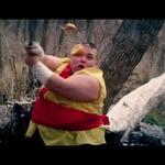 iPhoneのカジュアルゲー『Fruits Ninja』リアルに再現したら? 忍者がフルーツを斬りつける!