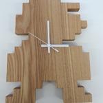 シンプルさがたまらない!ドットのマリオを形どった木の掛け時計「MARIO DROP CLOCK」を開封