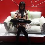 【東京ゲームショウ2013】次世代ハードより欲しいと思う方も…!?真のゴロ寝プレイはここにある ─ タブレットクッション「goron」体験出展