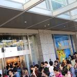 増田氏も中継で駆けつけた!ポケモンセンタートウキョーは8時のオープン以降も入場制限のかかる盛況ぶり