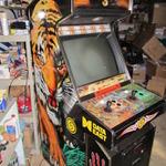 幻のデコ製モーコンクローン『Tattoo Assassins』のアーケード筐体がeBayに出現