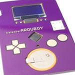 絶対に相手に覚えてもらえるゲームボーイ型名刺「Arduboy」が海外に登場、名刺でテトリスがプレイ出来る