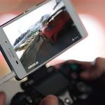ソニーの最新スマホXperia Z3がPS4リモートプレイに対応― 専用コントローラーと連携