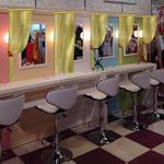 ナムコ、コスメとメイク道具が使い放題のプリクラ専門店をオープン