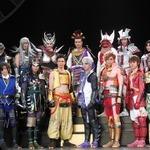 舞台「戦国BASARA4」新たなキャラクターも加わり、映像も殺陣もパワーアップ
