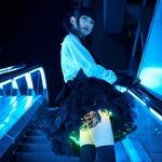絶対領域を輝かせる「光るスカート」登場…宵闇に浮かぶ少女の姿をサイトで確認せよ