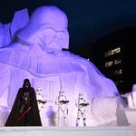 「雪のスター・ウォーズ」の雪像がさっぽろ雪まつりに登場・・・高さ15m、幅22.6m、奥行き20mの巨大サイズ!