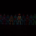 『パズドラ』のテーマソングをダンスアーティスト集団「レッキンクルーオーケストラ」が電飾ダンスで表現の画像