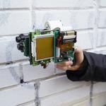 海外アーティストがゲームボーイを魔改造! その場で印刷できちゃう銃型カメラに