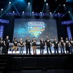 【E3 2015】「任天堂ワールド・チャンピオンシップ2015」優勝はJohn Goldberg氏・・・宮本茂氏からトロフィーが授与
