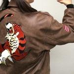 『シェンムー3』Kickstarterの新たな支援者特典に「芭月涼着用の革ジャン」レプリカが追加