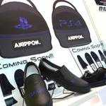 【TGS2015】物販エリアで「PS4 スニーカー」発見!モノクマやドリームキャストのデザインも