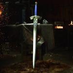 """いつもの鍛冶職人、ついに""""約束された勝利の剣""""「エクスカリバー」を手がける"""